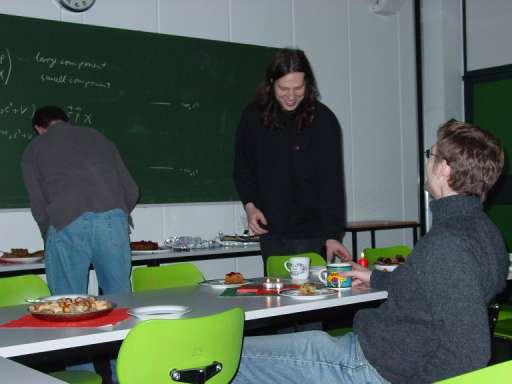 http://ftp.theochem.ruhr-uni-bochum.de/outgoing/webdata/fun/2004/xmas04_large1.jpg