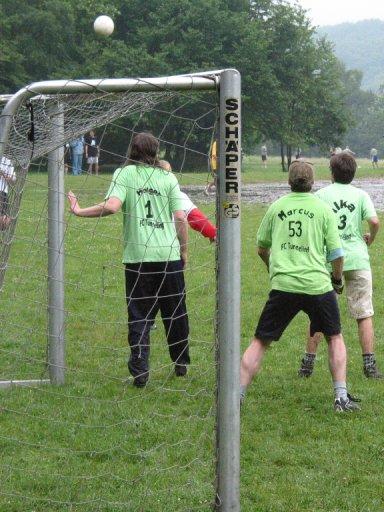 http://ftp.theochem.ruhr-uni-bochum.de/outgoing/webdata/fun/2005/soccer_large04.jpg